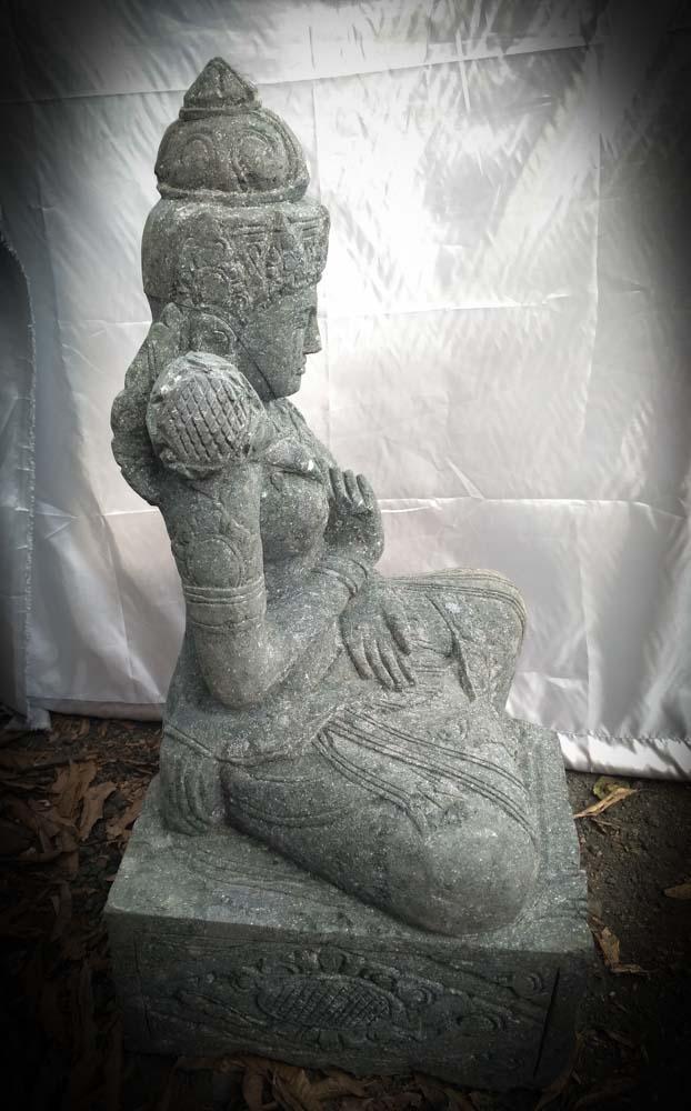 Grande statue de jardin zen d esse balinaise en pierre 1m Statue jardin zen